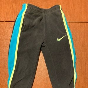 Boys Nike therma fit bottoms 2T